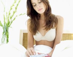 A mulher pode tomar pílulas anticoncepconais menstruada
